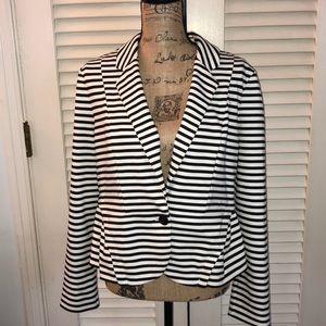 ELLE Black/white striped blazer